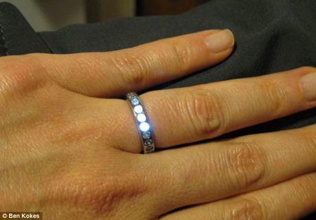 ピカッと光る婚約指輪